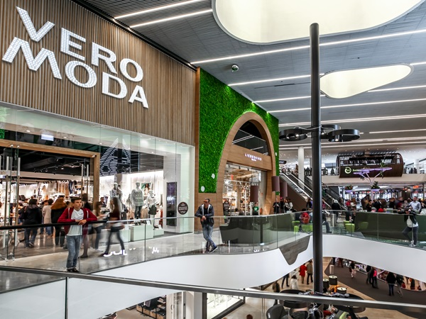 The Vera Moda and Liebeskind shop in the shopping centre Minto