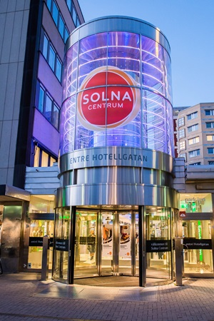 picture of solna centrum entrance